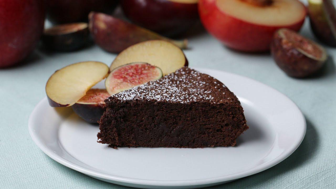 Bolo de chocolate com dois ingredientes