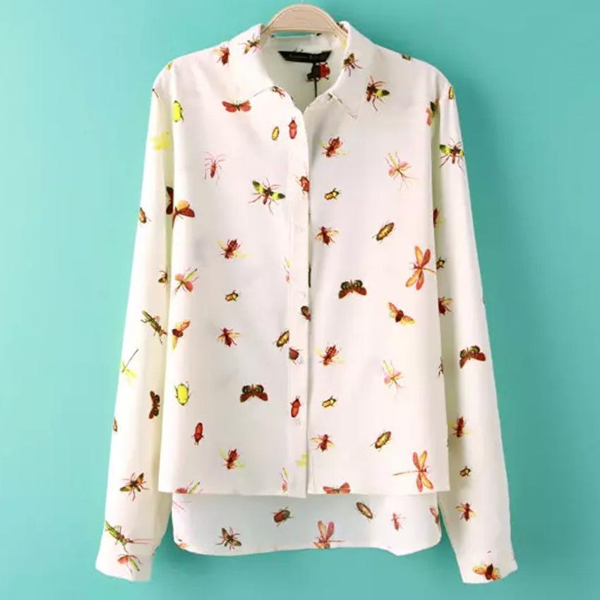 Camisa com estampa de insetos é tendência.