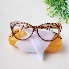 Óculos estampado gatinho.