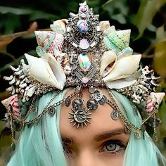 Tiara de sereira é tendência para o carnaval.